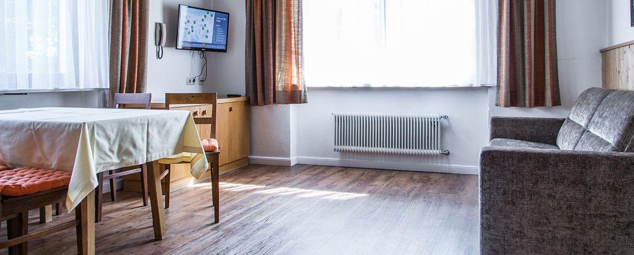 st anton appartement haus dr otto schuler. Black Bedroom Furniture Sets. Home Design Ideas
